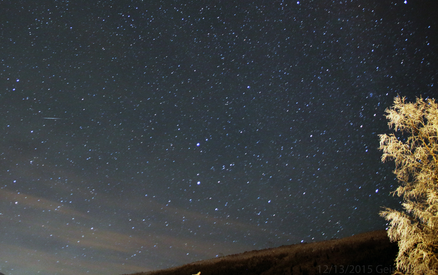 A Geminid streaking the sky at about 20.34 local time on Dec 13, 2015. Photo details: Canon 650D, Sigma 17-70 mm.