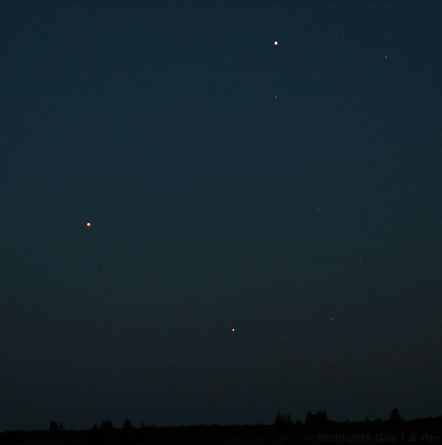 Antares, Mars and Saturn created a beautiful celestial triangle on August 30, 2016.