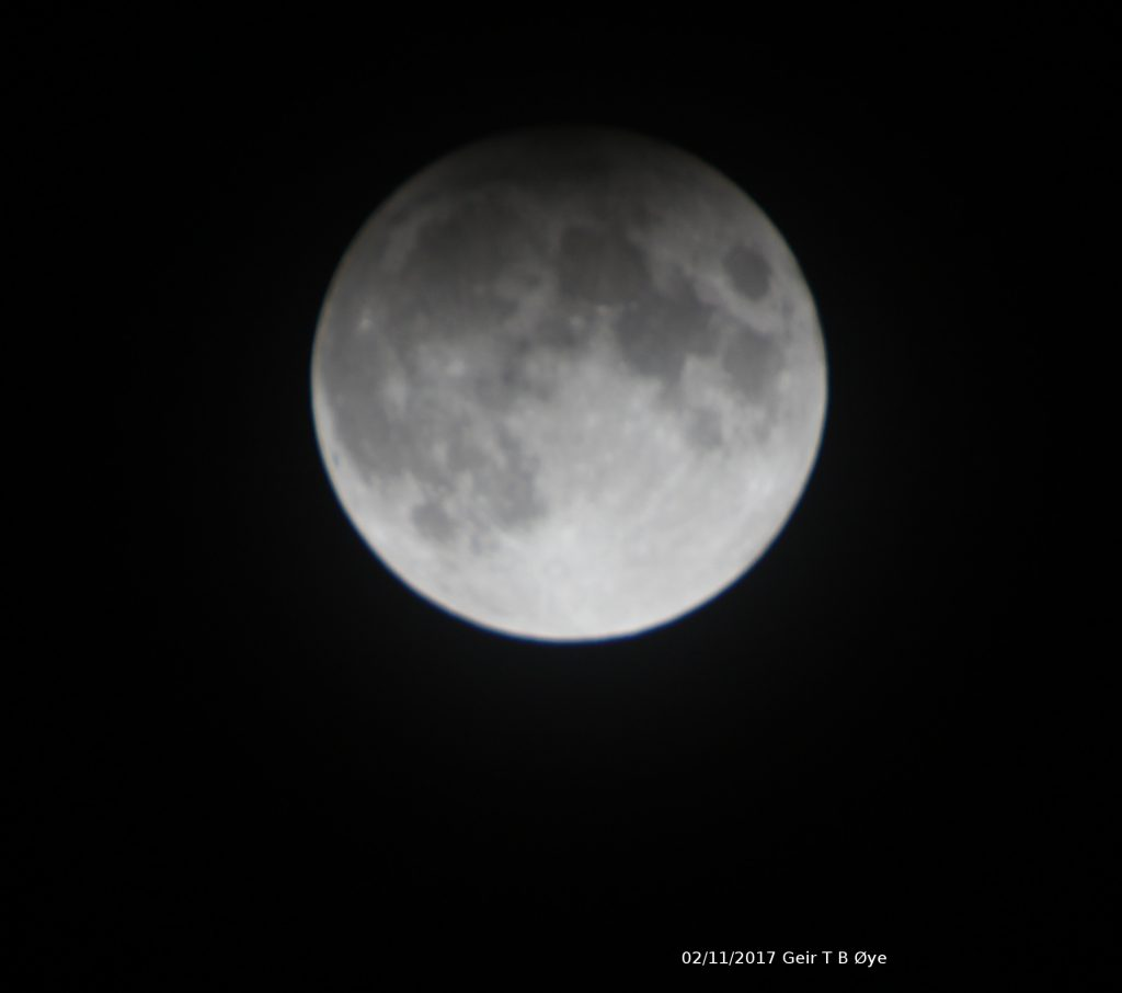 This time the Moon passed through the outskirts of Earths (half) shadow. Hence a penumbral eclipse could be seen. Photo taken when the eclipse was at maximum 01.44 am (local time). Photo details: Sigma 50-500mm, Canon EOS 1300D
