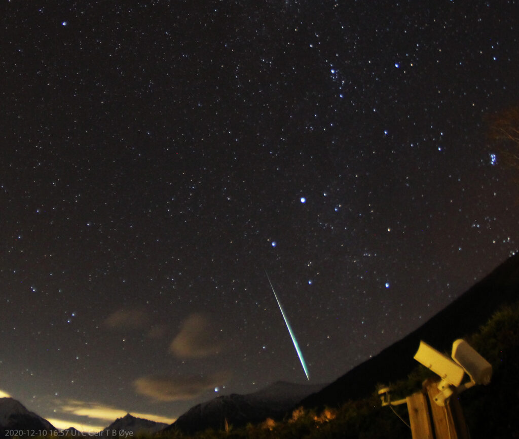 This fireball streaked the sky at about 16.57 UT on December 10, 2020.  Photo details: Vivitar 8 mm fisheye-lens, Canon 1300D, Iso: 1600, exposure 58 seconds.